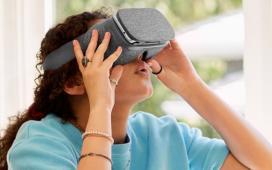 """Google представит """"самостоятельный"""" шлем виртуальной реальности"""