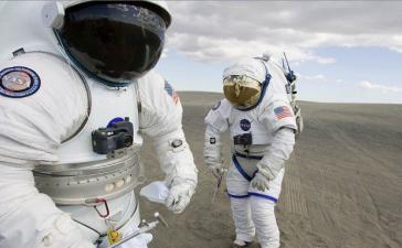 #галерея | 13 самых необычных скафандров NASA