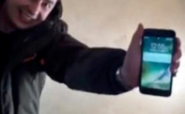 Apple iPhone 7 остался рабочим проведя 13 часов в замерзшем озере