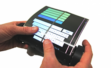 Создан сенсорный планшет, который можно скрутить в свиток