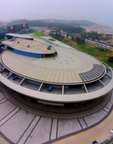 Богатый китаец построил офис в форме звездолета из Star Trek