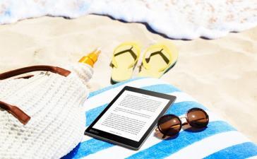 Электронную книгу Kobo Aura One можно читать под водой