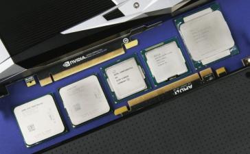 Так где же выгоднее покупать комплектующие? Говорим про Computeruniverse, сравниваем Core i3 и FX-8000 сегодня в прямом эфире в 18:00