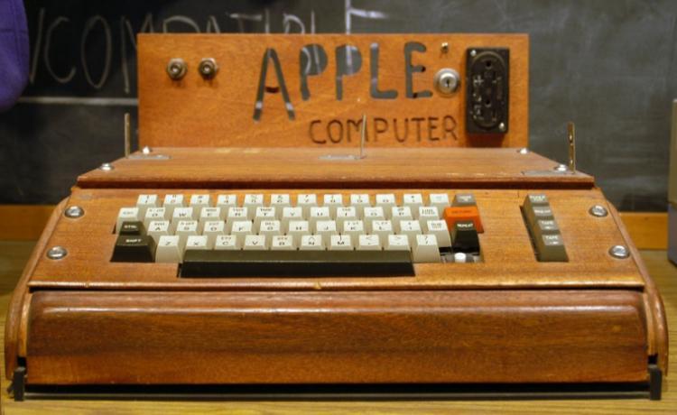 В Германии выставят на торги один из первых Apple-1