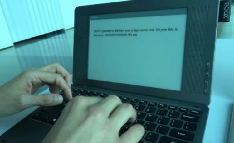 Гибридный Onyx Boox Typewriter получит дисплей E-Ink и клавиатуру